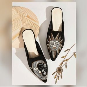 Shoes - Point Toe Embroidered Flat Mules